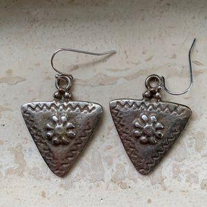 Jewelry - Silvertone earrings